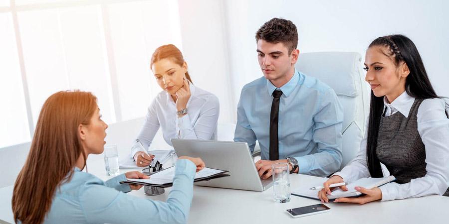 As maiores qualidades e defeitos na entrevista de emprego